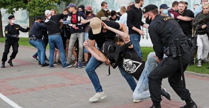 Belarusda prezident saylovlarida nomzodlar qo'yilmasligi ortidan norozilik namoyishlari bo'lib o'tdi