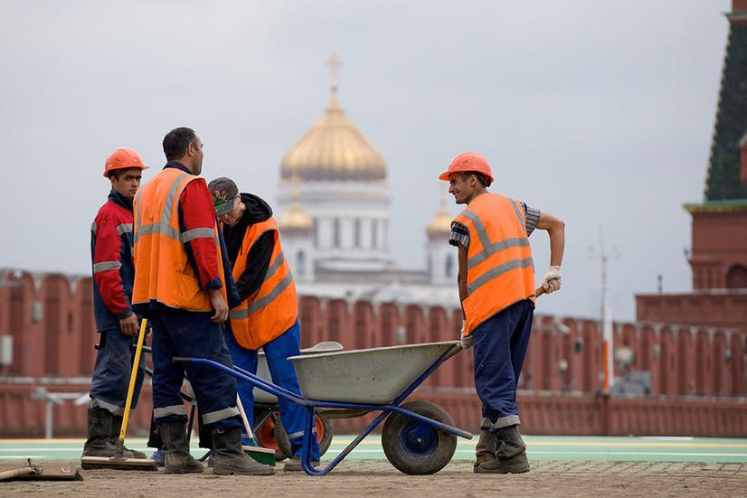 Россия мигрантларга янги мажбурият юклади