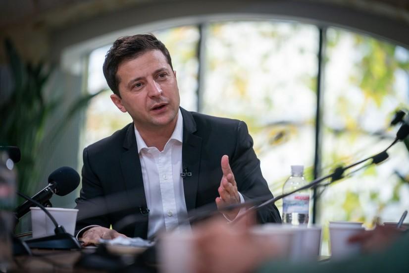 Зеленскийнинг матбуот марафони: Украина президенти кун давомида журналистларнинг саволларига жавоб беради
