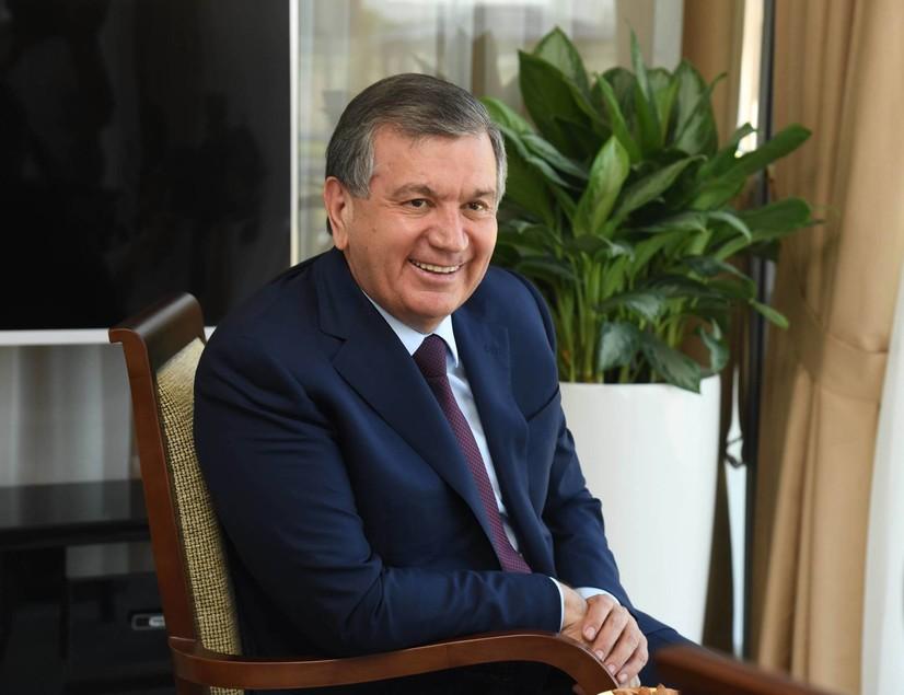 Шавкат Мирзиёев нонушта вақтида набираси билан (фото)