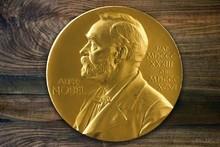 Бу йил Нобел мукофотини кимлар қўлга киритади: тахминлар, фаразлар, фикрлар
