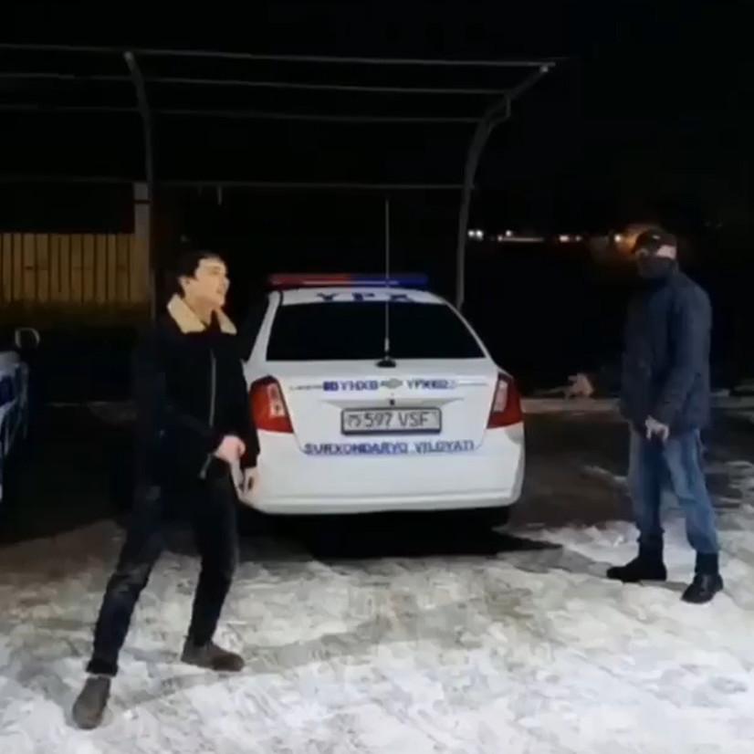"""Тошкент вилоятида хизмат автомобиллари олдида рақс тушган """"эркатойларга"""" чора кўрилди"""