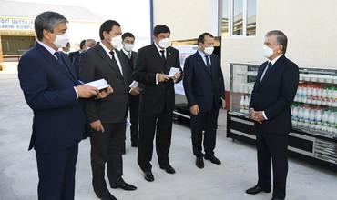 Президент Нукусда балиқчилик ва қишлоқ хўжалиги лойиҳаларини кўздан кечирди (фото)