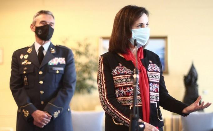 Испания Қуролли кучлари бош штаби бошлиғи коронавирусга қарши навбатсиз эмланганликда айблангач, истеъфога чиқди