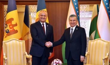 Шавкат Мирзиёев Ашхободда Молдова президенти билан учрашди