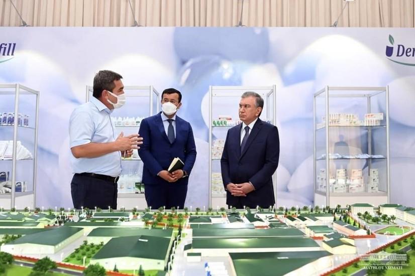 Президент Янгиҳаёт туманидаги фармацевтика корхонасида бўлди
