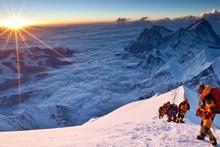 Непал ҳамда Хитой Эверестнининг баландлигини қайтадан ўлчайди
