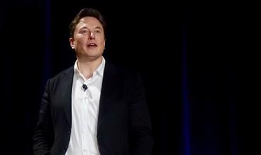 Илон Маскнинг бойлиги 100 миллиард доллардан ошди