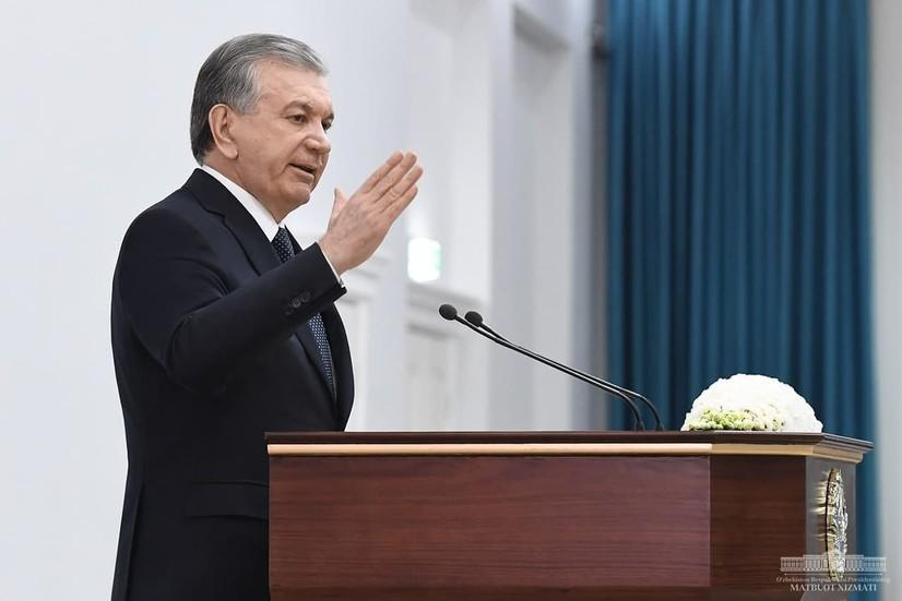 «Jizzax viloyati hokimining qurilish bo'yicha o'rinbosari bizning siyosatimizga xiyonat qilgan» — Shavkat Mirziyoyev