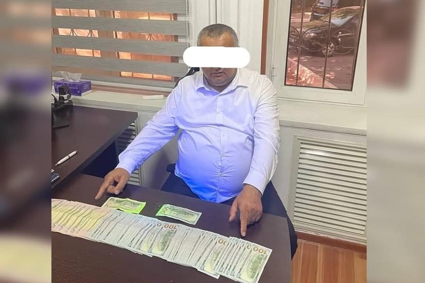 Тошкент давлат юридик университетига киритиб қўйиш учун 10 минг доллар сўраган шахс ушланди