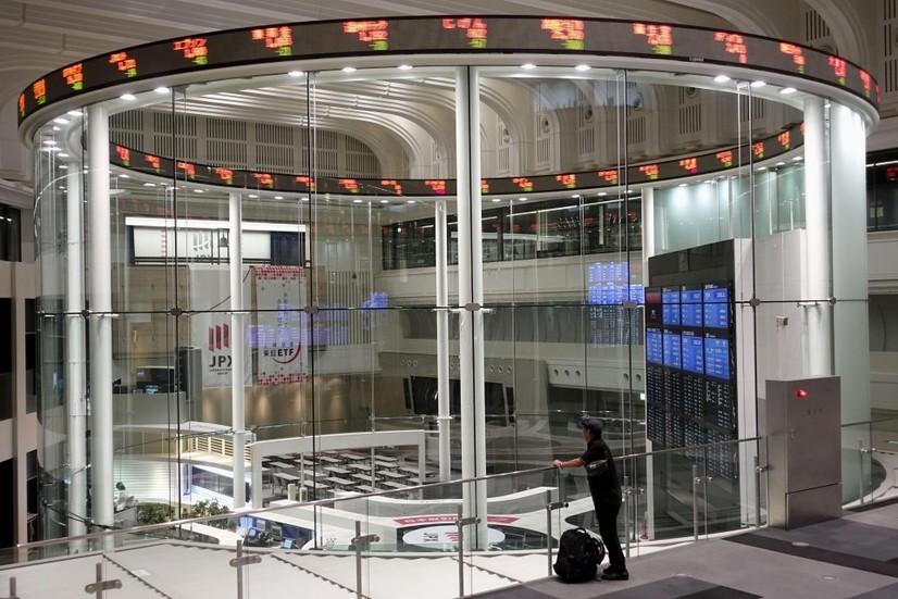Токио фонд биржаси ишламай қолди