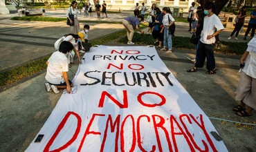 Бангкокда намойишчилар Таиланд бош вазирига истеъфога чиқиш учун уч кун берди