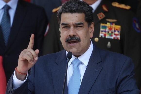 Венесуэла президенти халқига «Telegram» ва «WhatsApp»даги рақамларини берди: «Мени ҳам гуруҳингизга қўшиб қўйинг»