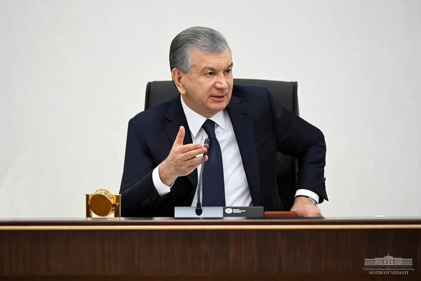 Шавкат Мирзиёев тиббиёт тизимида қоғозбозлик, бюрократия ва коррупцияни кескин қисқартириш ҳақида гапирди