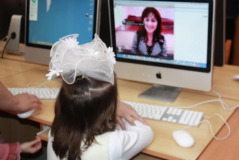 ХТВ онлайн усулда ўқийдиган болаларнинг ота-оналари учун тавсиялар берди