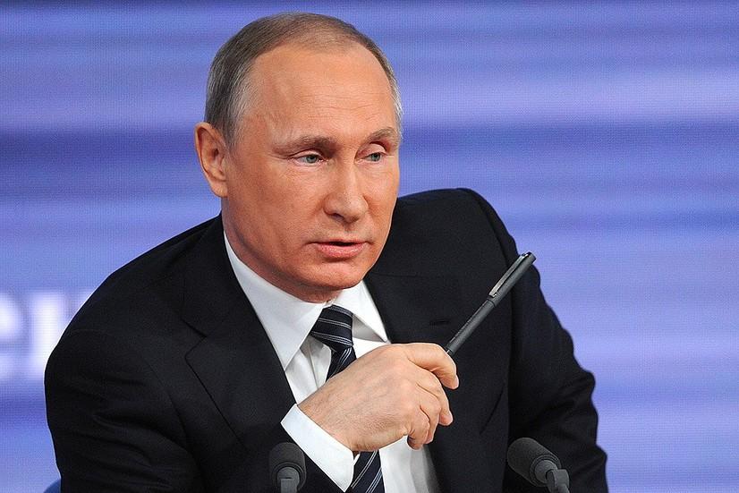Путин президентликдан кетса Россияда нима бўлиши ҳақида гапирди