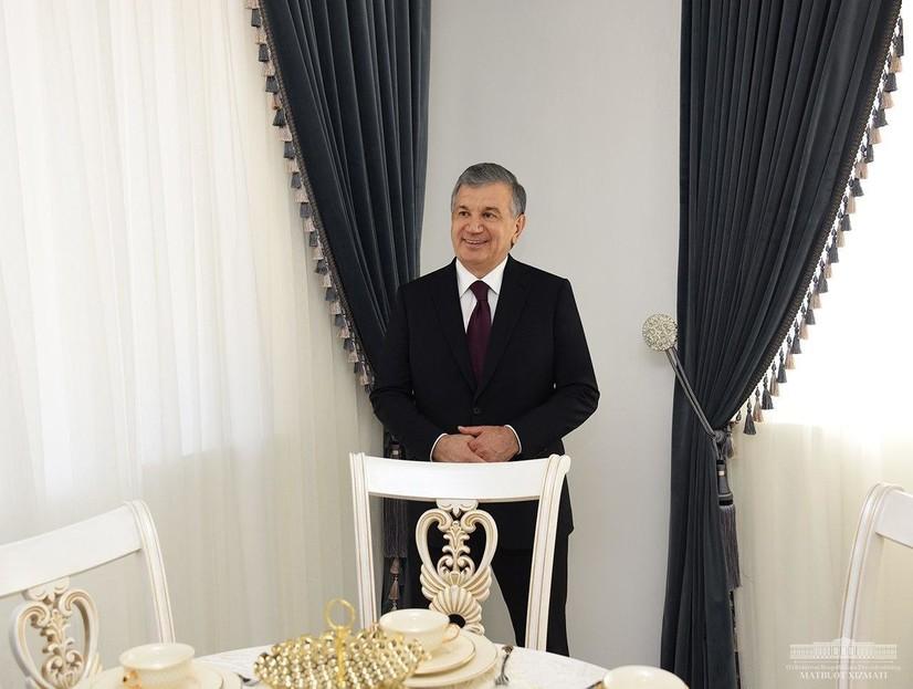 Президент ўн кунда битадиган уйларни бориб кўрди (фото)