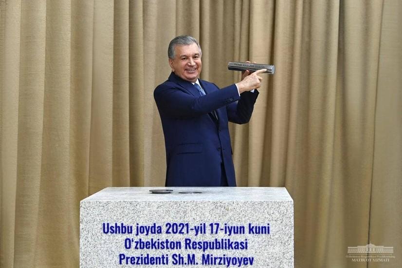 Президент Янги Андижон шаҳри қурилишига тамал тоши қўйди