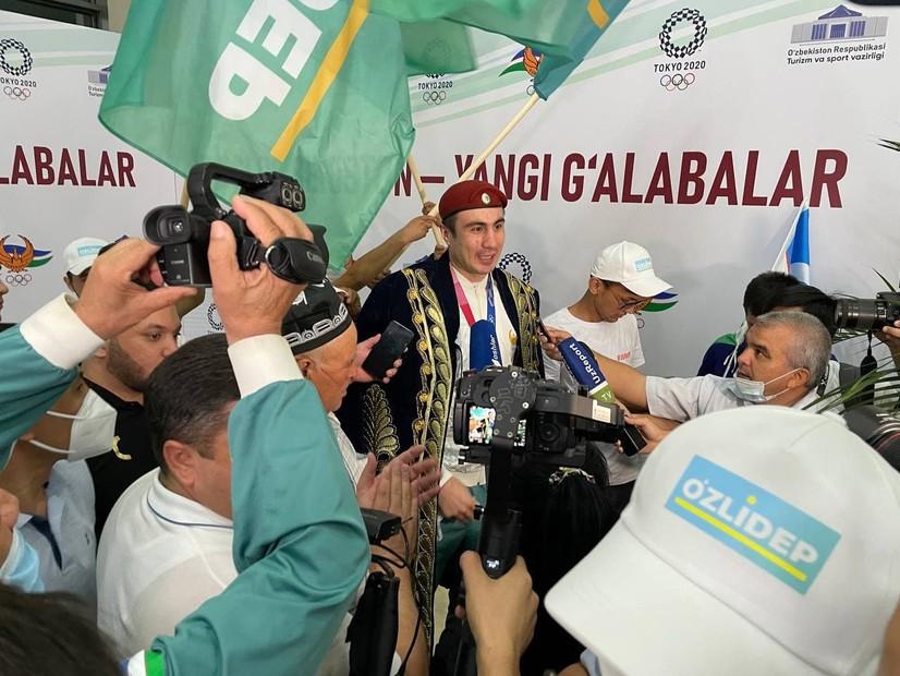 Олимпиячиларимиз тантанали равишда кутиб олинди (фото)