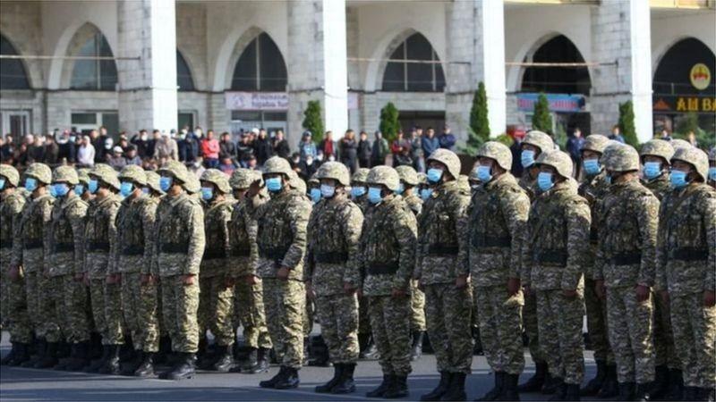 Қирғизистон: Атамбаев ва Ўзбекистон чегарачилари қайтарган ҳокимга нима бўлди?