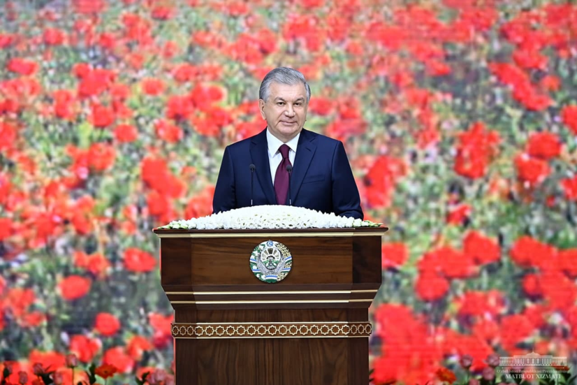 У биз билан бирга, ёнимизда яшамоқда — Президент Наврўз умумхалқ байрамида коронавирусни ёдга олди