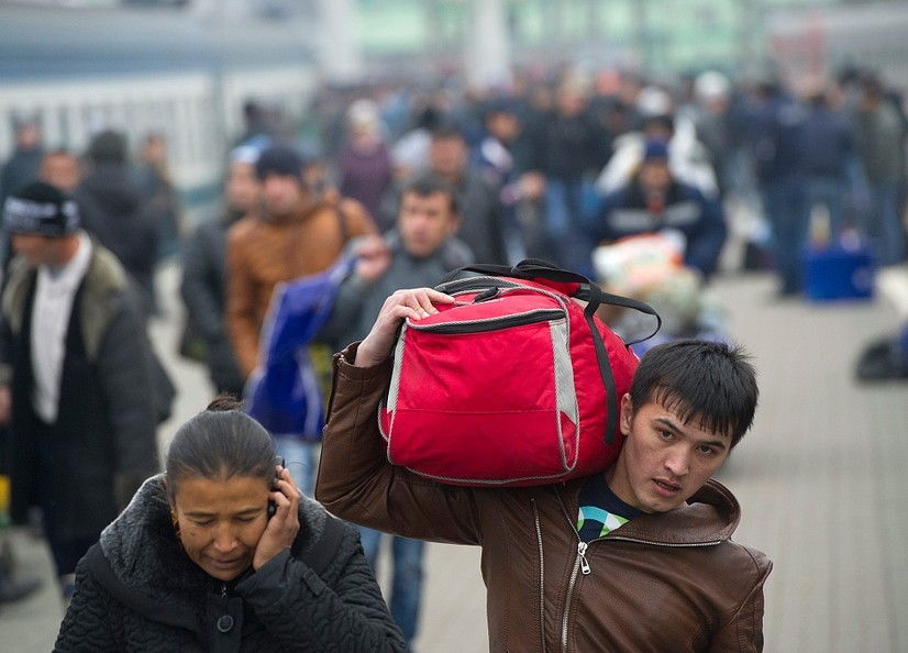 Мигрантлар етишмаслиги Россия иқтисодиётига таҳдид – Bloomberg
