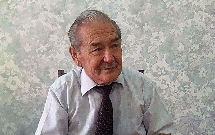 Таниқли профессор, таржимон Муҳаммаджон Холбеков вафот этди