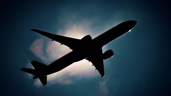 Москвадан Бангкокка учаётган самолётнинг ойнаси синиб кетди