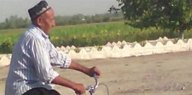 Наманганлик Ҳусан бобо велосипедда Ҳажга йўл олди