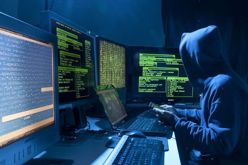 «Халқ сўзи»га ҳужум қилган машҳур хакерлар гуруҳи энди Илон Маскка қарши уруш очди (+видео)
