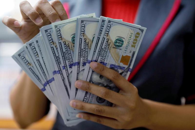 Markaziy bank dollar ayirboshlash kursi dinamikasi qanday omillar ta'sirida shakllanganiga izoh berdi