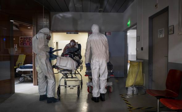 Францияда коронавируснинг тўртинчи тўлқини бошлангани эълон қилинди