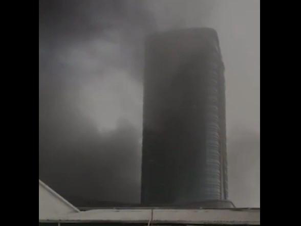 «Tashkent city»да яна ёнғин. «Hilton» меҳмонхонаси тутун орасида қолди (видео)