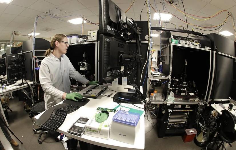 Олимлар коронавируснинг организмда кўпайишини тўхтатувчи ферментни аниқлашди