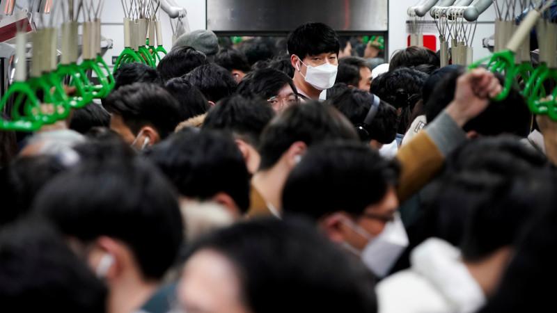 Йирик япон банки иш ҳафтасини уч ёки тўрт кунга қисқартирмоқчи