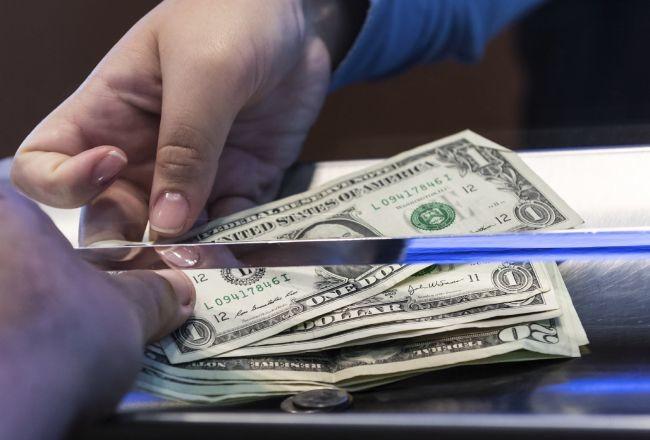 Ўзбекистонликлар хориждан юборадиган валюта ҳажми 18 фоизга ошди