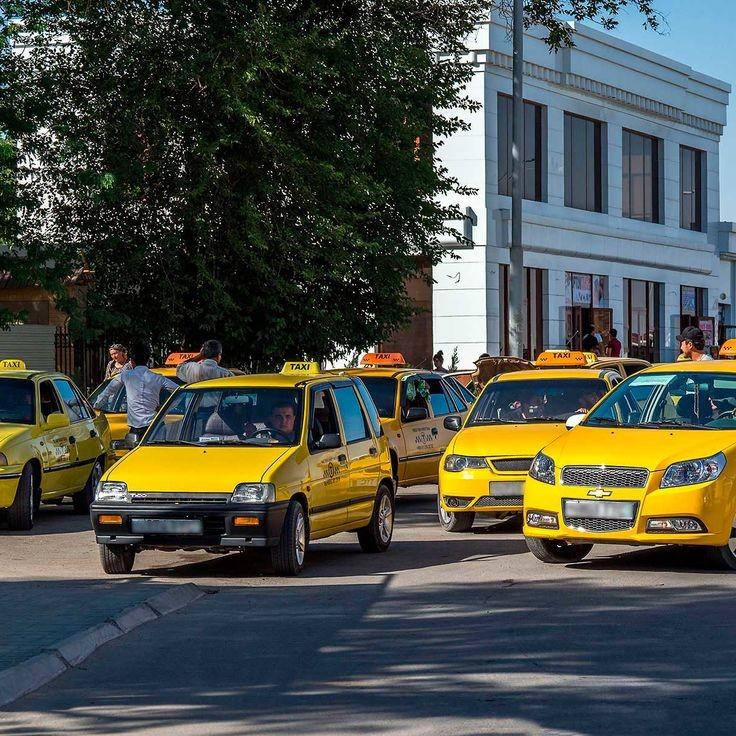 Депутатлар такси ҳайдовчиларидан лицензия талаб қилмаслик таклифини билдирмоқда