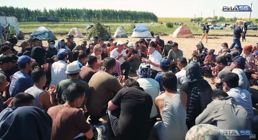 Rossiya-Qozog'iston chegarasida qolib kelgan 2200 nafar O'zbekiston fuqarolari yurtga olib kelinmoqda