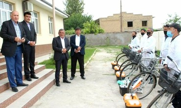 Toshkent viloyatida veterinarlariga velosiped va termosumkalar topshirildi