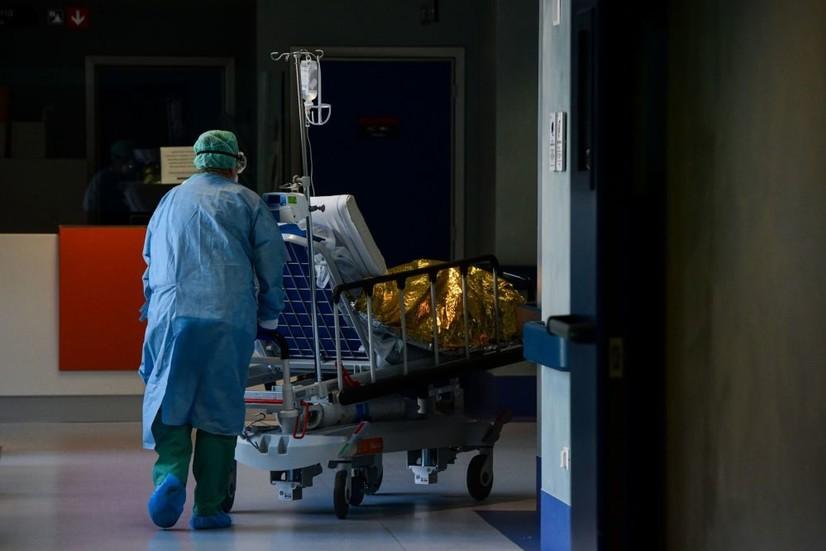 Ўзбекистонда коронавирус қайд этилганлар сони 42 903 нафарга етди