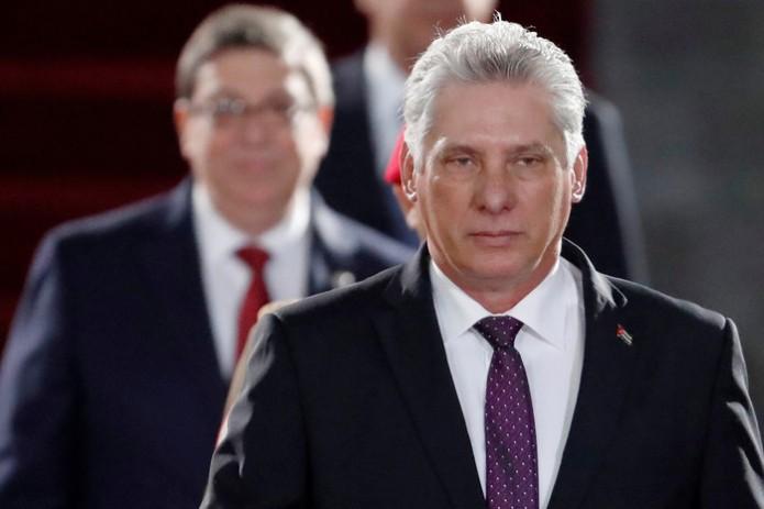 Куба Коммунистик партиясининг раиси, Раул Кастро ўрнини ёш авлодга бўшатиб берди