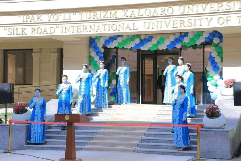 Ипак йўли халқаро туризм университети расман очилди