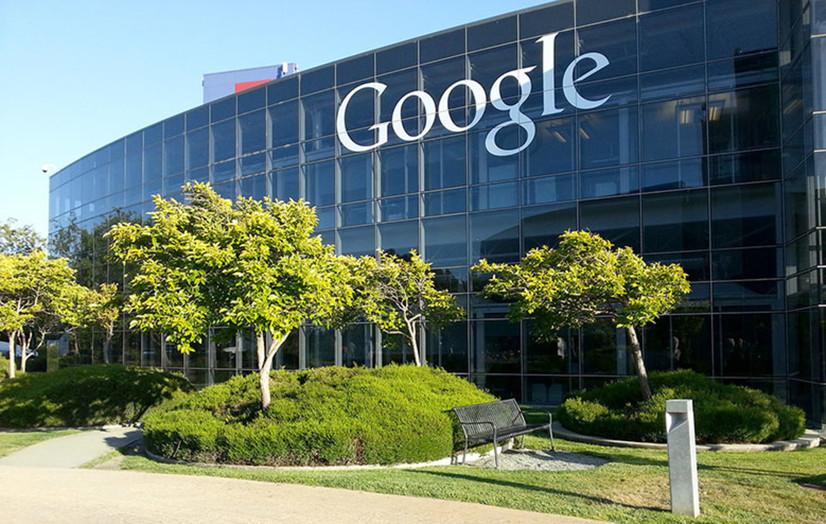 Google геолокация функциясидан фойдаланган ҳолда фойдаланувчиларни кузатиб боришини тан олди