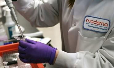 Moderna ўзининг вакцинаси коронавируснинг оғир шаклига қарши 100 фоиз самара беришини маълум қилди