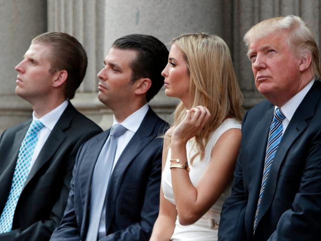 Трамп кетишидан олдин оиласини афв этишни режалаштирган