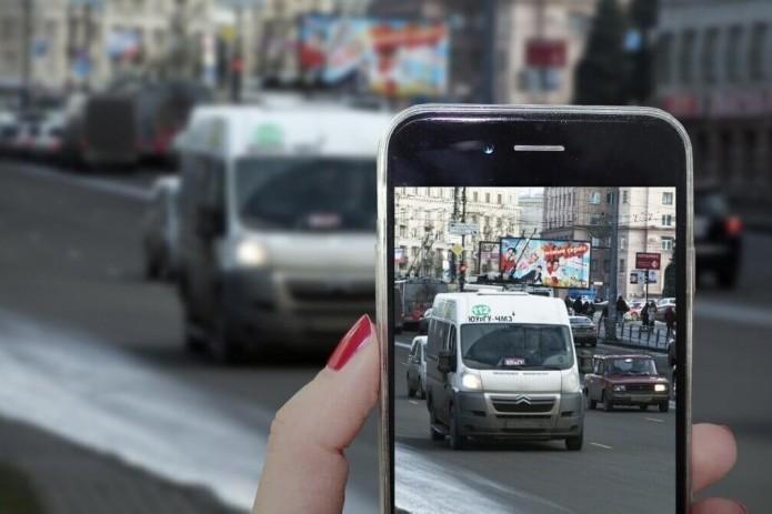 Ўзбекистонда энди мобил телефонда тасвирга олинган йўллардаги қоидабузарликлар учун жарима солинади