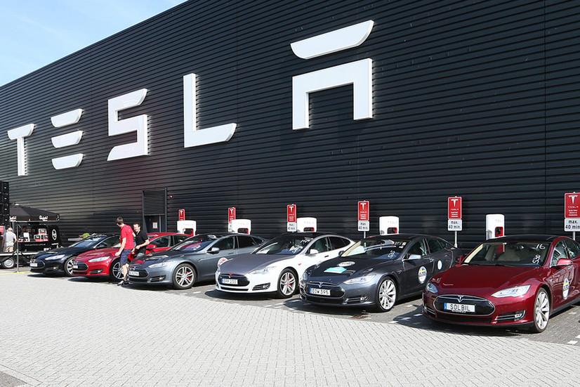 Tesla ўз тарихидаги энг яхши чораклик ҳисоботни эълон қилди