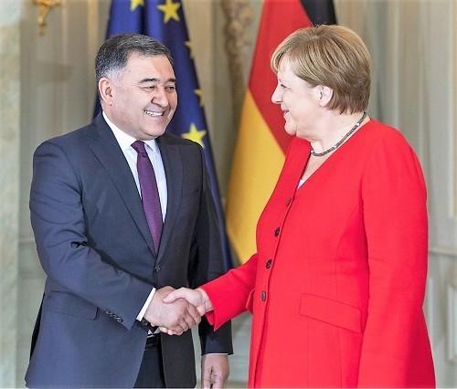 Ўзбекистон элчиси Ангела Меркел билан учрашди