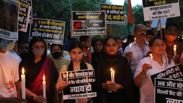 Ҳиндистоннинг Мумбай шаҳри полицияси 28 нафар эркак 15 ёшли қизни оммавий зўрлашда гумон қилиб ҳибсга олган