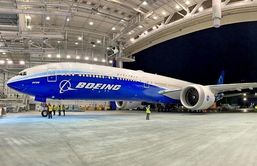 Boeing янги йўловчи самолёти лойиҳасини жонлантирди